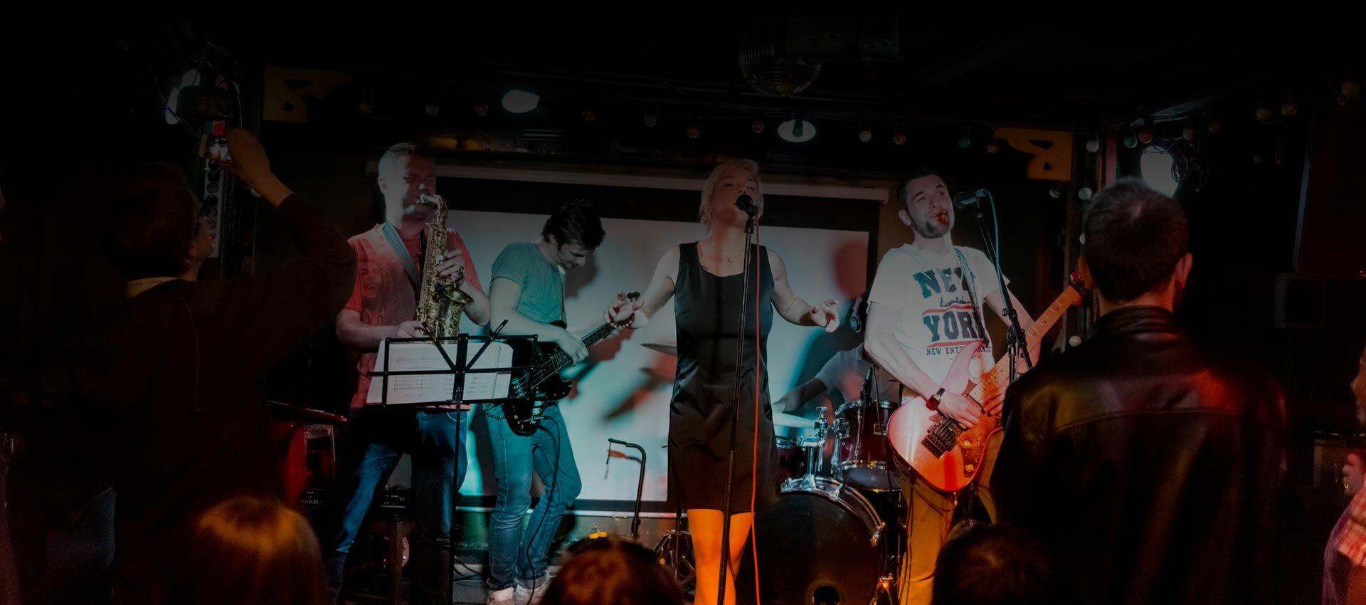live-band-slider